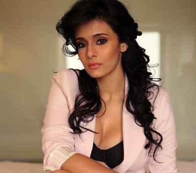 Mayanti Langer Biography