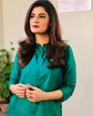 Sidra Meer Samaa TV