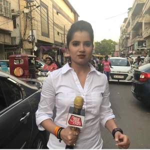 Priyanka Sharma News Anchor