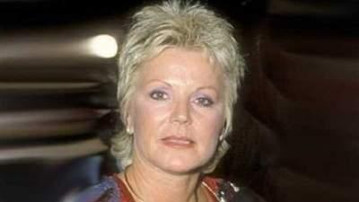 Dianne Holechek